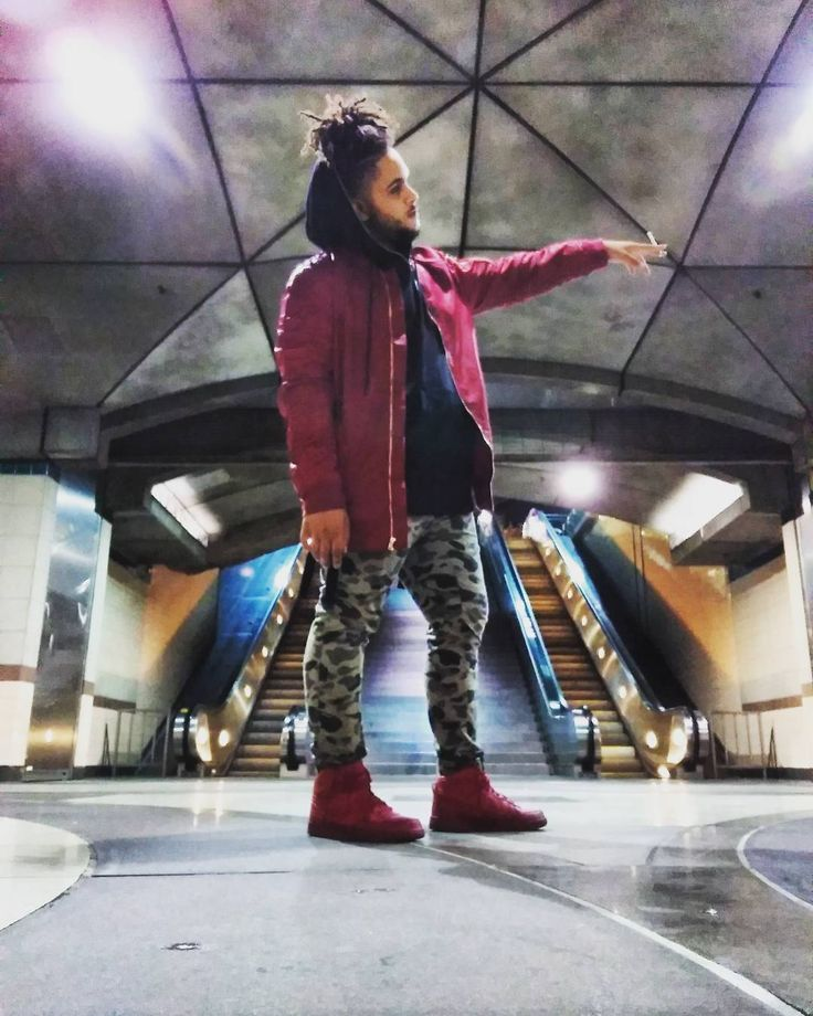 SSS SUBWAY SURFER SWAG #fly #bape #supreem #louievuitton #red #fashion #urban #urbanculture #weekend #drake #yeezy #losangeles #redline #cozy #photography