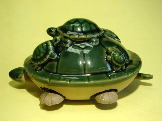 Green Turtle with 5 Little Turtles on the Top