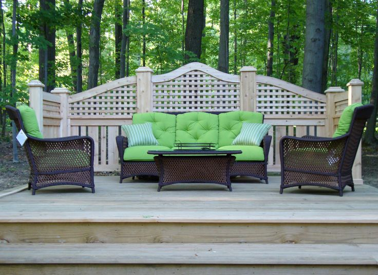 Arched lattice patio privacy screen hand built by elyria for Privacy lattice panel ideas