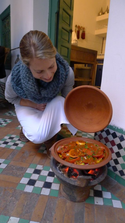 cooking  in a Tagine, For traditional slow-simmered Moroccan Tagine recipes, use the Majmar (Charcoal Brazier)  like a BBQ Grill. Simply fill with charcoal, place your cooking Tagine on top, and slow-simmer your meal. > Marrakech
