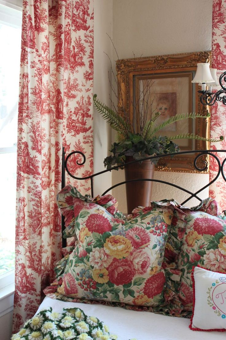 17 best images about english country decorating on for English cottage bedroom