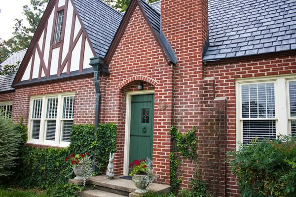 english tudor exterior paint colors | TUDOR HOUSES WITH PAINTED FRONT DOORS