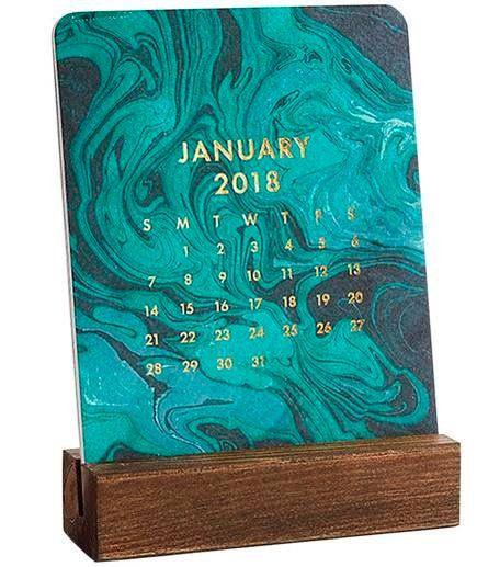 29 Best Friend Christmas Gifts | 2018 Marbled Easel Box Calendar