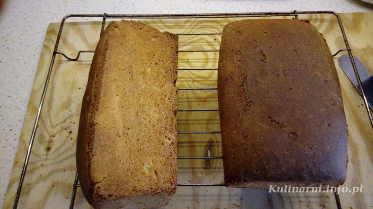 """Tak po prawdzie to tytuł powinien brzmieć """"Chlebowa pomyłka"""", bo mi się za pierwszym razem torebki z mąką pomyliły i zamiast wsypać orkiszową razową, nasypałem gryczaną. Nie ma tego złego jednak, ponieważ po mękach z wyrabianiem i ucieczce chleba z foremek okazało się, że pieczywko jest przewyborne, zwłaszcza z domowym szmalczykiem."""
