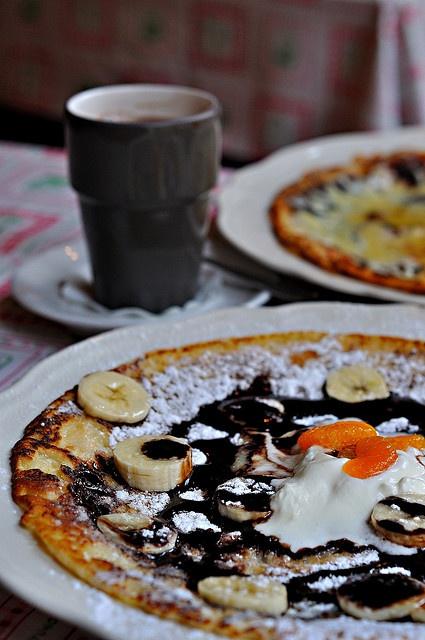 banana & chocolate sauce pancake from Pancake House Upstairs, via Flickr.