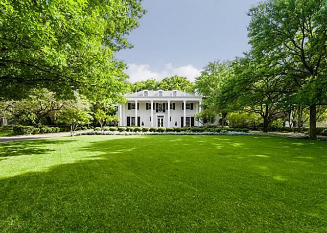 Dream Home: Plantation Style House  4307 Armstrong Parkway, Dallas TX