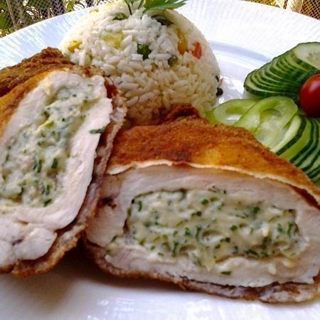 Egy finom Zöldfűszeres-krémsajtos rántott csirkemell ebédre vagy vacsorára? Zöldfűszeres-krémsajtos rántott csirkemell Receptek a Mindmegette.hu Recept gyűjteményében!