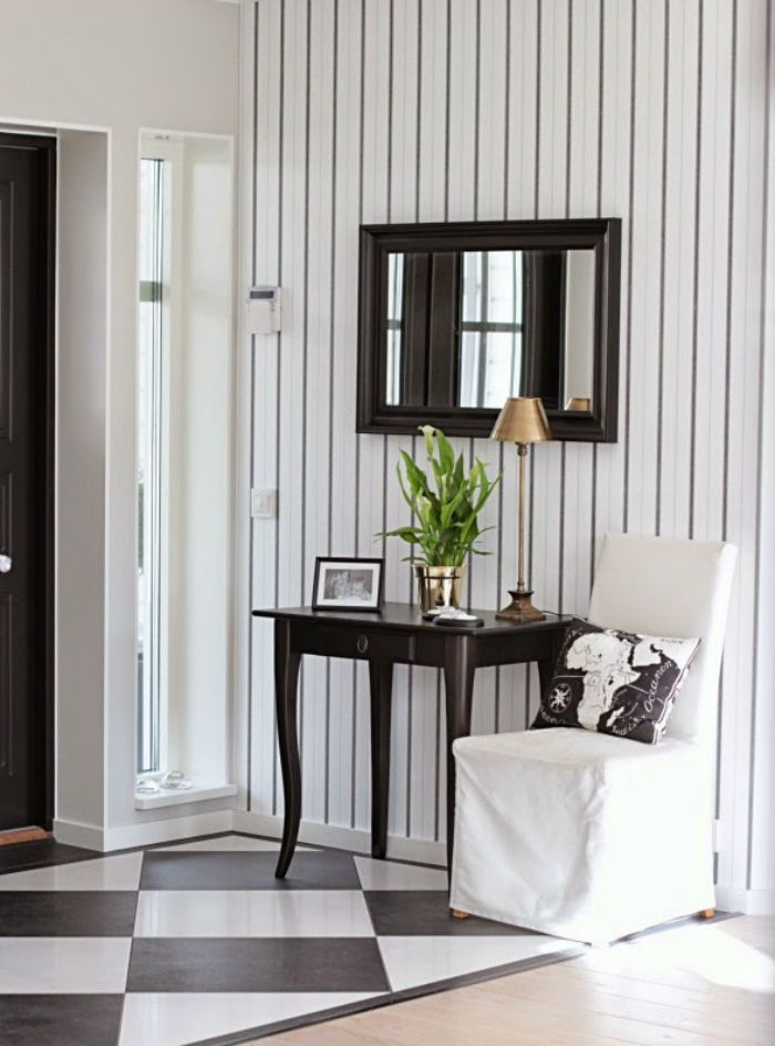 How to make a small hallway look twice the size! Decor tips you cant miss. CLICK VISIT TO READ BLOG !   #home #room #house #interior #homedecor #room #homeandgarden #howto #beautiful #goteborg #inredningstips #inredningsblogg #ikea #pinterestboard #hytteliv #bolig # inredning #howto #interiordesign #interiorinspiration #interiors #hall #hallmöbler #hallway #gördetsjälv #diy #howto #gördetsjälv
