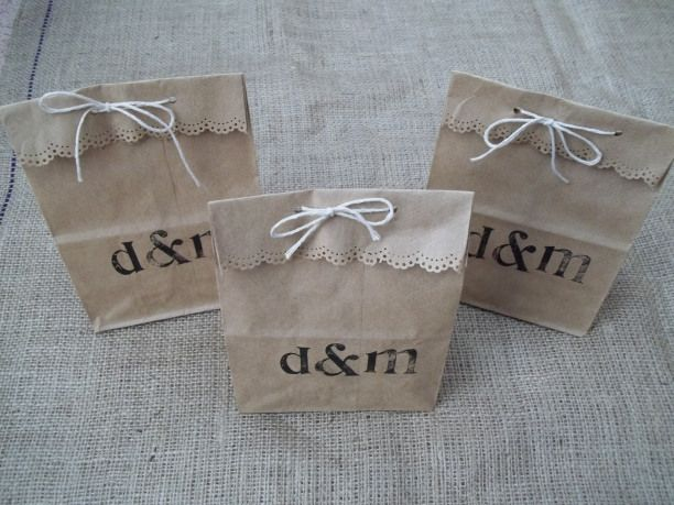 Wedding Paper Favors For A Rustic Themed These Brown Stamped Bags Are Perfect Favours