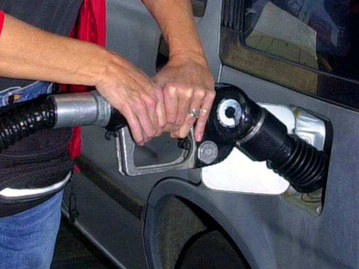 According to AAA, the average price of a gallon of regular gas in the U.S. dropped from $3.52 in late July to $3.12 today. Isaac Arnsdorf, an energy and commodities reporter with Bloomberg News, joins Hari Sreenivasan to explain the factors contributing to the drop. Continue reading →