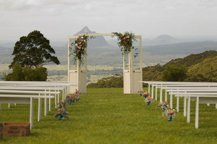 Best outdoor wedding ceremony locations / Maleny Retreat, Queensland