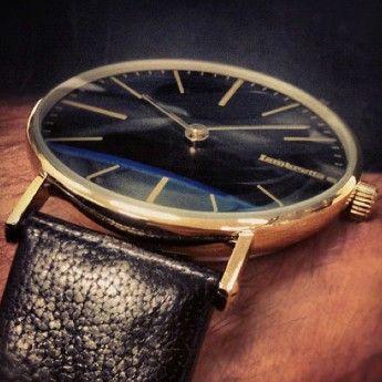 Relojes Lambretta: Reloj Retro Dorado y Negro Lambretta Cesare http://www.tutunca.es/reloj-retro-dorado-y-negro-lambretta-cesare#