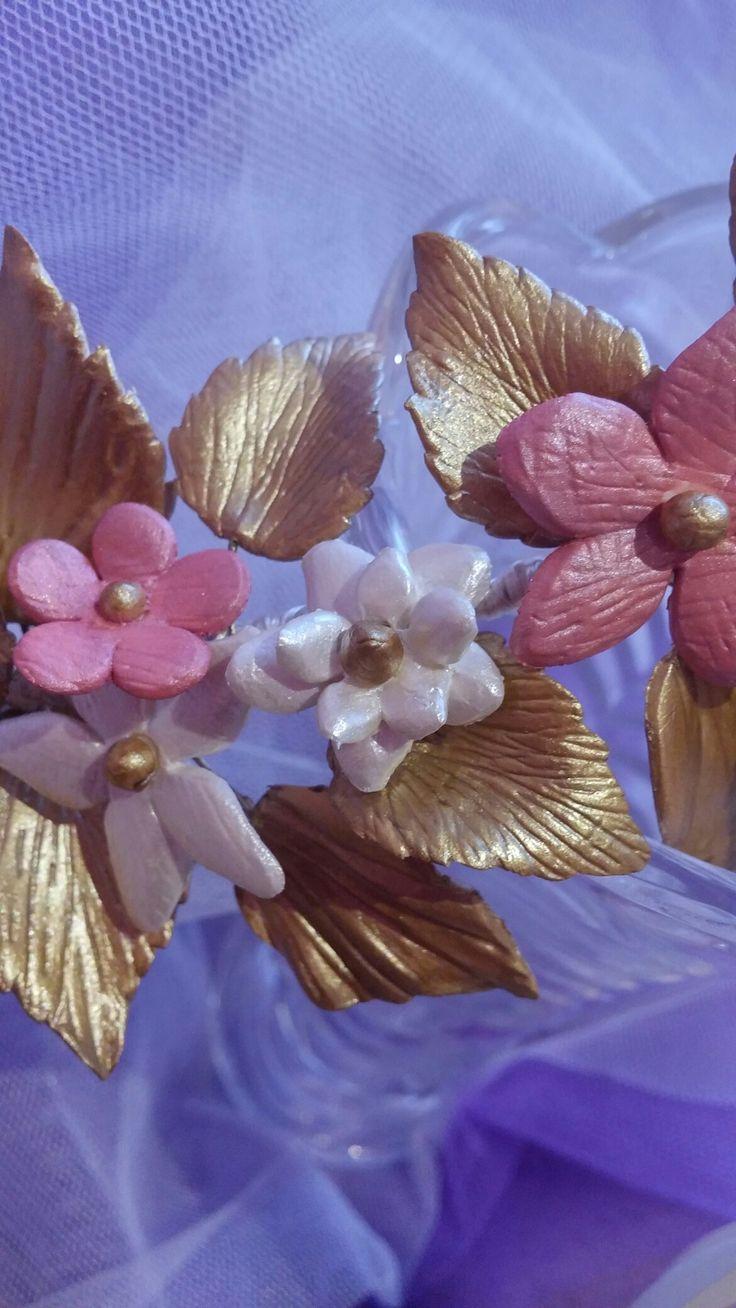 Jazmines,margaritas,hortensias....que maravilla lo que se puede hacer con la porcelana😮
