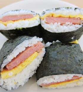 Okinawan Onigiri with Spam and Egg ポーク卵おにぎり