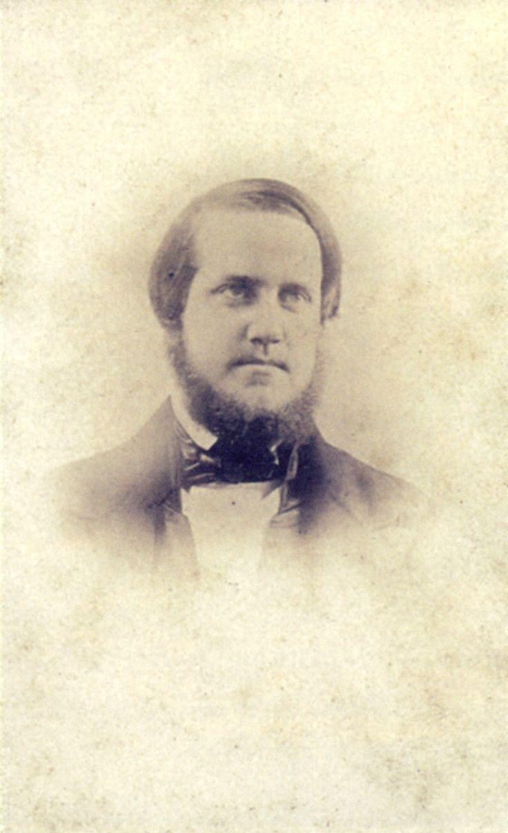 Pedro II of Brazil 1848 - Pedro II do Brasil – Pedro II por volta dos 22 anos de idade, c. 1848. Esta é uma cópia posterior de um daguerreótipo presumivelmente perdido. É a fotografia sobrevivente mais antiga do imperador   Wikipédia, a enciclopédia livre