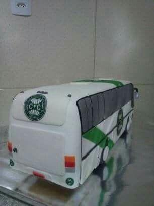 Ônibus esculpido