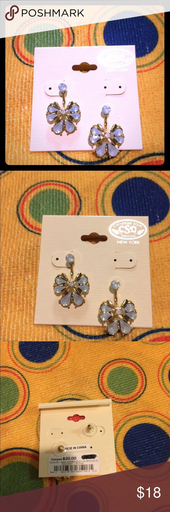 BNWT,sNewYork,🍃Designer 🍃🌸Blue,White, Gold(CSD) BNWT's Blue, Crystal, White And Gold ...Pretty Follower Earrings...They were made in New York.... 🍂🍃CDS 🍂Designs... By : CATHERINE STEIN!!!! I bought them At Burlington Coat Factory!!! They were 20 .00 dollars plus tax... 🍃CSD🍃CHATERINE STEIN Jewelry Earrings