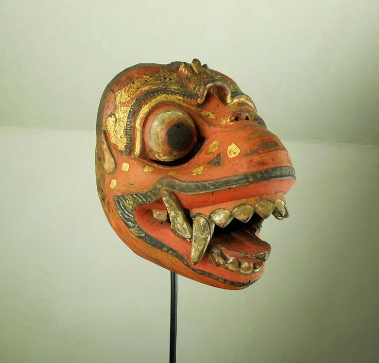 Maschera di demone http://shop.etniegalleria.it/epages/8530.sf/it_IT/?ViewObjectID=851143