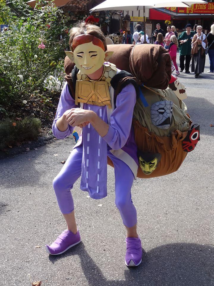 Via Reddit user DownWithThem - Happy Mask Salesman Cosplay at the Renaissance Fair #LegendofZelda