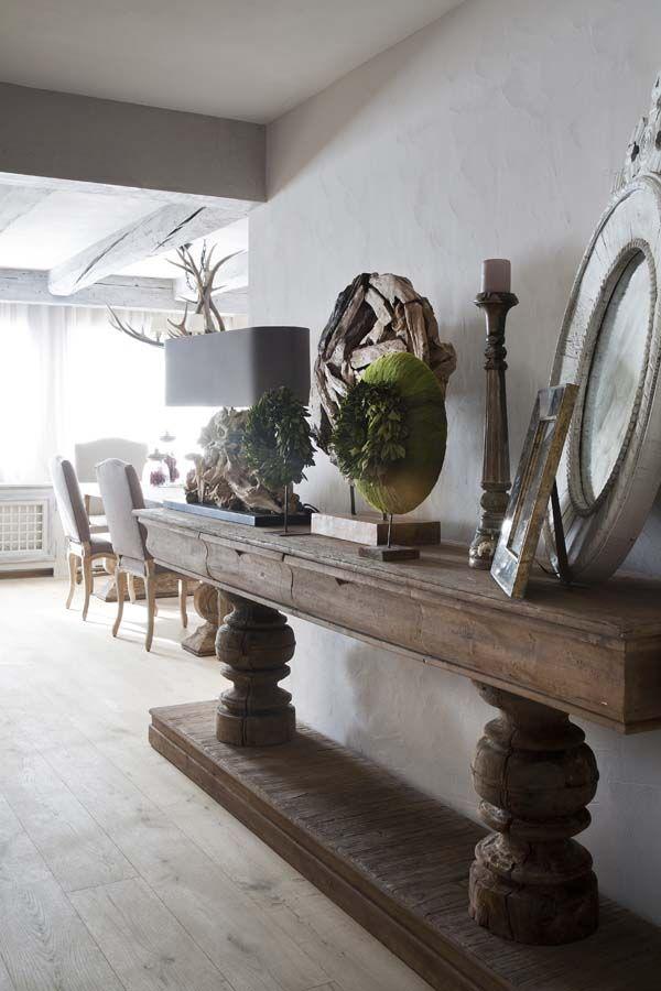Huisjekijken gespot robuuste sidetable hal 39 hoffz 39 landelijk 39 sober pinterest boerderij - Deco hal binnenkomst huis ...