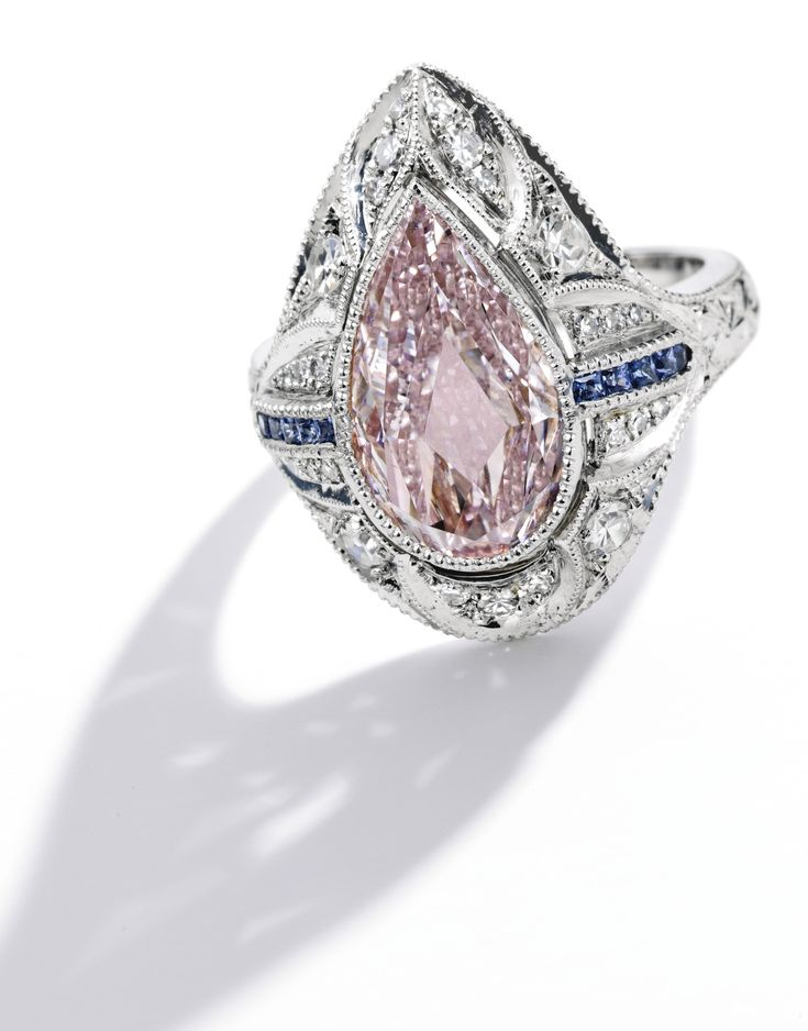 Rosamaria G Frangini | High Pink Jewellery | Important Platinum, Fancy Pink…