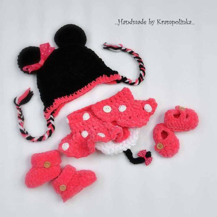 Crochet newborn photo props set Minnie mouse with a ribbon and skirt and balerina shoes