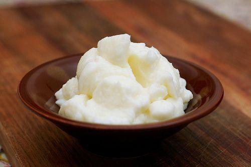 Lebanese Toum, garlic spread mayonnaise alternative