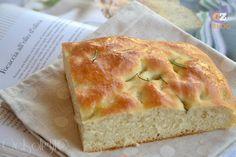 Cari lettori, adoro il lievito madre e almeno una volta a settimana preparo con questo il pane, la focaccia, la pizza o i dolci lievitati