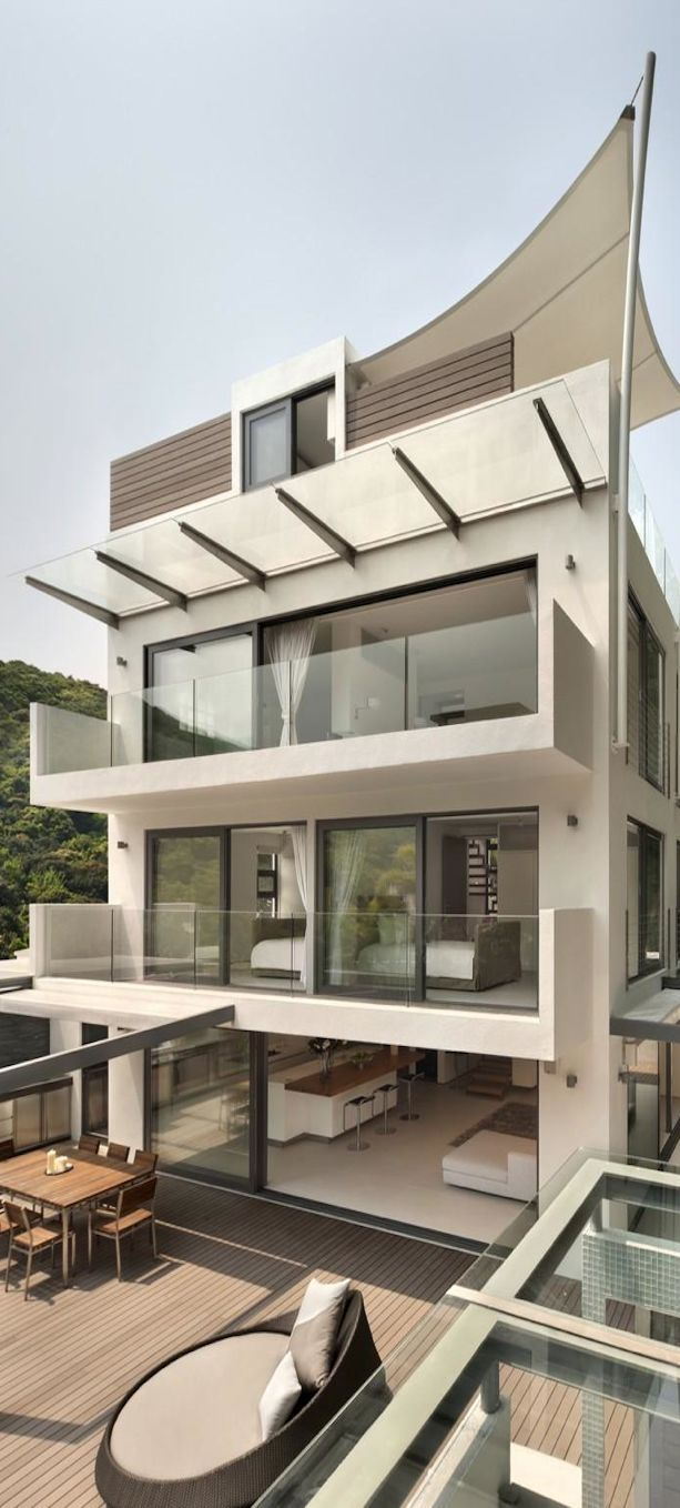 Modern House Design by James Choate #pin_it @mundodascasas See more Here: www.mundodascasas.com.br
