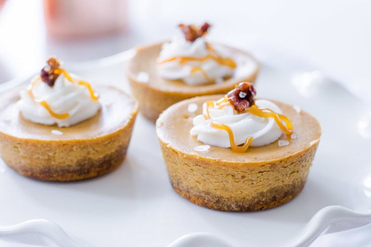 mini pumpkin spice cheesecake with salted caramel drizzle