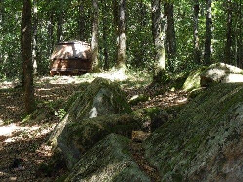 Les anciens chaudrons servant à fabriquer le charbon de bois (forêt de l'Aiguille) dans la commune de Les Cammazes (Tarn) http://www.carmen-cuisine.com/2015/03/les-cammazes-la-foret-de-l-aiguille.html