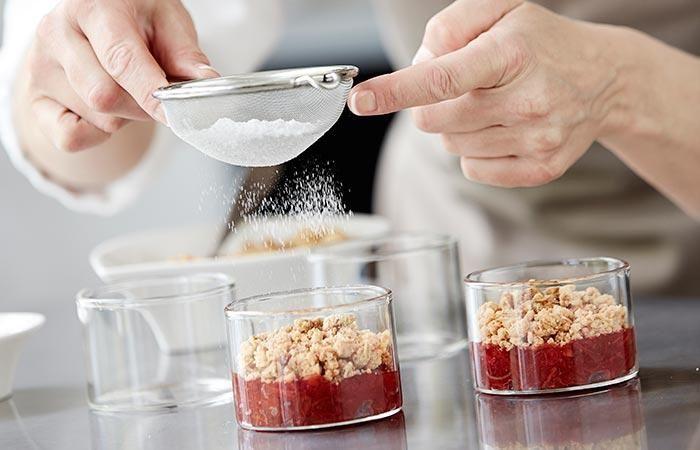 Her har du mulighed for i små videoer, at se nogle af Mette Blomsterbergs tips & tricks, som du kan bruge i både det søde og det salte køkken.