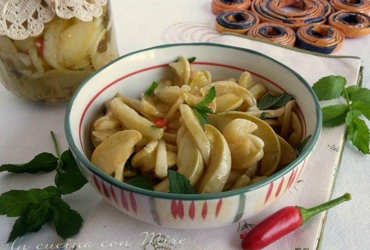 #gialloblogs #ricetta Zucchine sottolio-ricetta calabrese   In cucina con Mire
