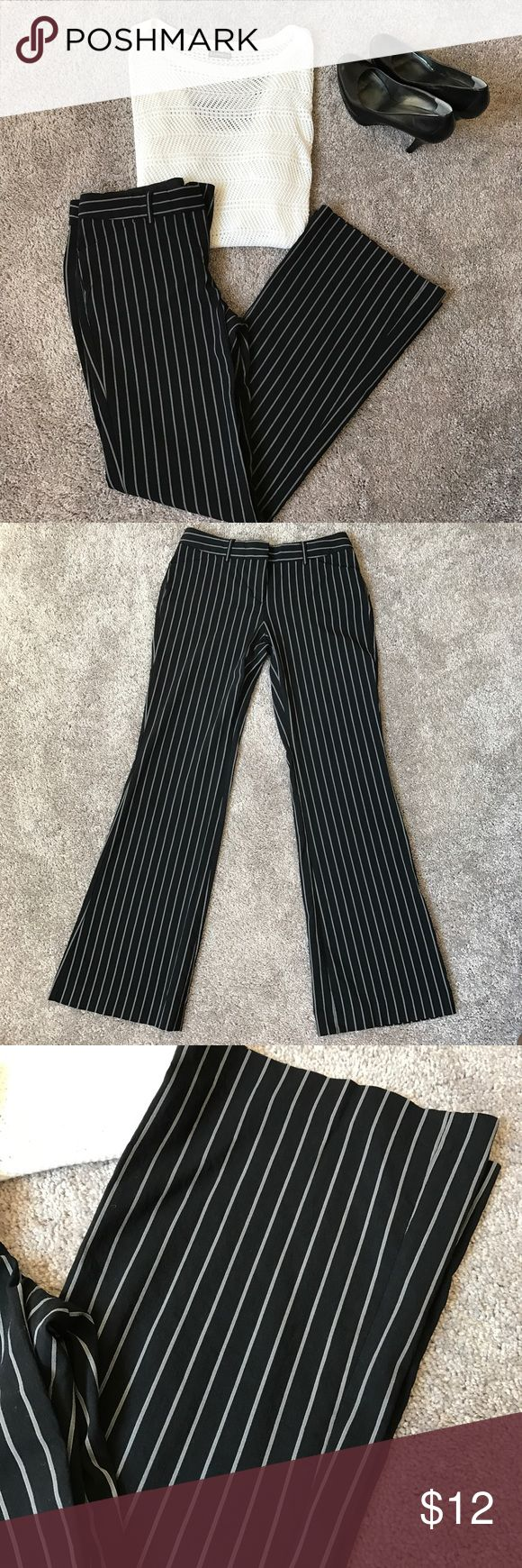 Black and White Pin Stripped Pants Express Editor Style Black and White Pin Stripped Pants. Great Condition! Perfect for work in the fall!   Inseam is 31 inches Express Pants Boot Cut & Flare