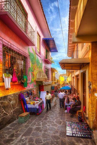 El callejón del diamante en #Jalapa, #Veracruz, #Mexico QUETA L  Diamond Alley in Xalapa, Veracruz, Mexico  Tour By Mexico - Google+