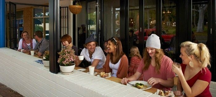 Top 10 Things to do Margaret River: #4 Enjoy the many great restaurant #MargaretRiver #WesternAustralia #Top10ThingsToDo #ExperienceOzNZ #WhatWillYouDo #Australia #travel #destination