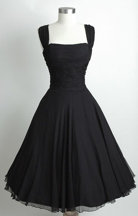 So pretty. Love this vintage shape.