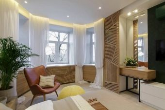 Hálószoba felújítás és berendezés, világos, természetes, kényelmes kialakítás sok tárolóhellyel, szép fa elemekkel - Lakberendezés trendMagazin