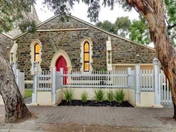 This spectacular church conversion is located in Adelaide, Australia. This amazing bluestone house was established in the 1850s in honor of Rev. James Bickford and was converted and renovated to the highest standards in 2011. The beautiful home features three spacious bedrooms, a well-equipped contemporary kitchen, open-plan living and dining area with 5-meter high ceilings, …