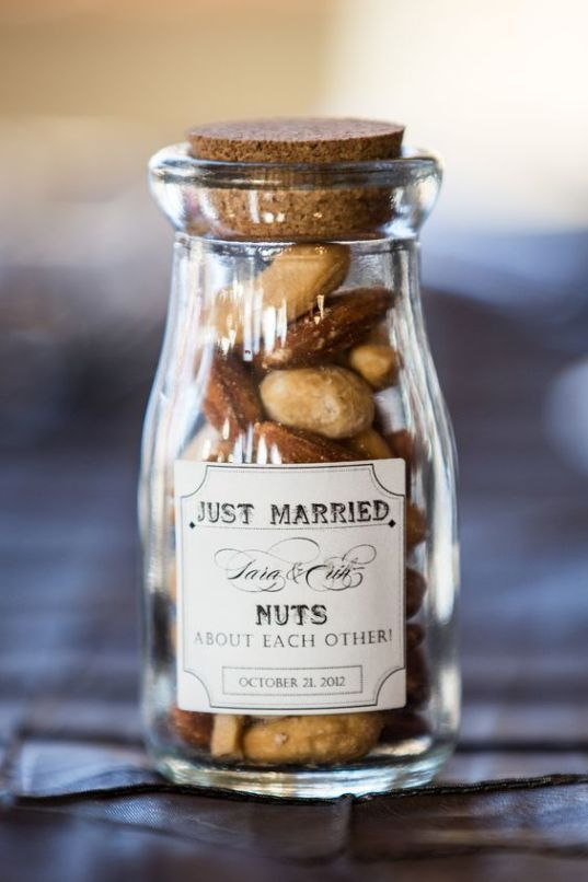 26 Summer Wedding Favors That Won't Break The Bank #coolweddingsouvenirs