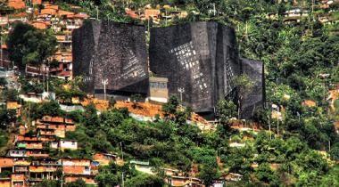 Conoce el Parque Biblioteca España - Símbolo de Medellín