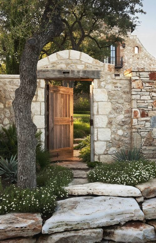8 best stone fences images on pinterest castles facades for Courtyard stone landscape