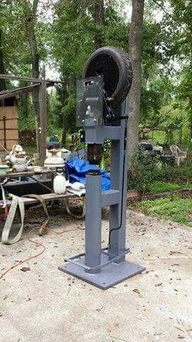 Homemade power hammer! Clay Spencer / Ray Clontz style Tire Hammer, 1HP 110 / 220 volt farm motor, 6 inch diameter anvil, 4140 dies, 24 square inch,  by 1 inch thick baseplate.
