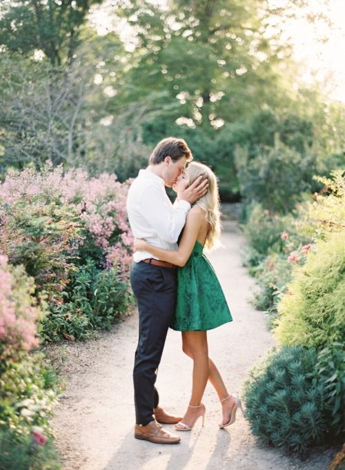 Beautiful engagement photo. Such a pretty setting. Engagement photography | couples photo | summer engagement photo