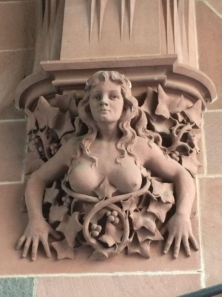Frankfurt architecture has some gorgeous chicks!