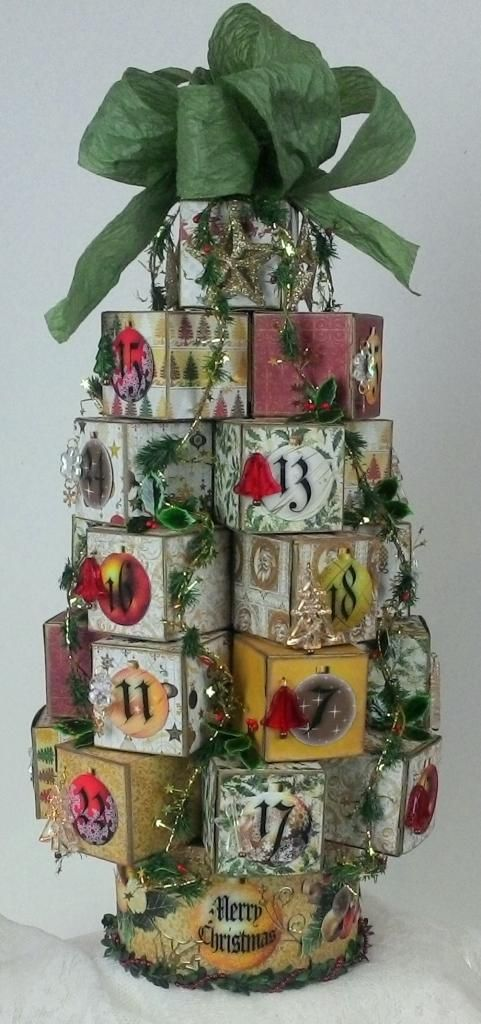 Artfully Musing: Christmas Tree Advent Calendar Tutorial, New Collage Sheet & Giveaway