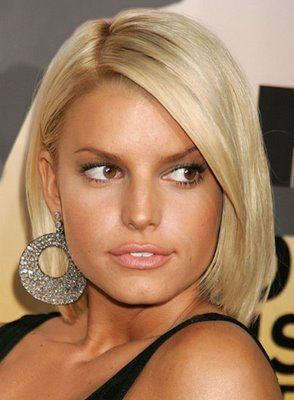 Jessica Simpson - Not a super FAN, but this chick always has rockin' locks. She can pull off any color, short, long, whatever. Loving her in a bob...in this pic.