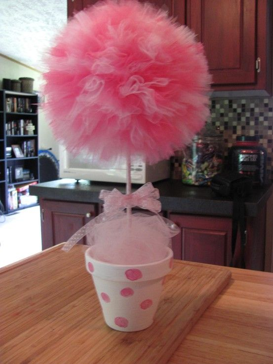 Decorating with tulle for centerpiece by