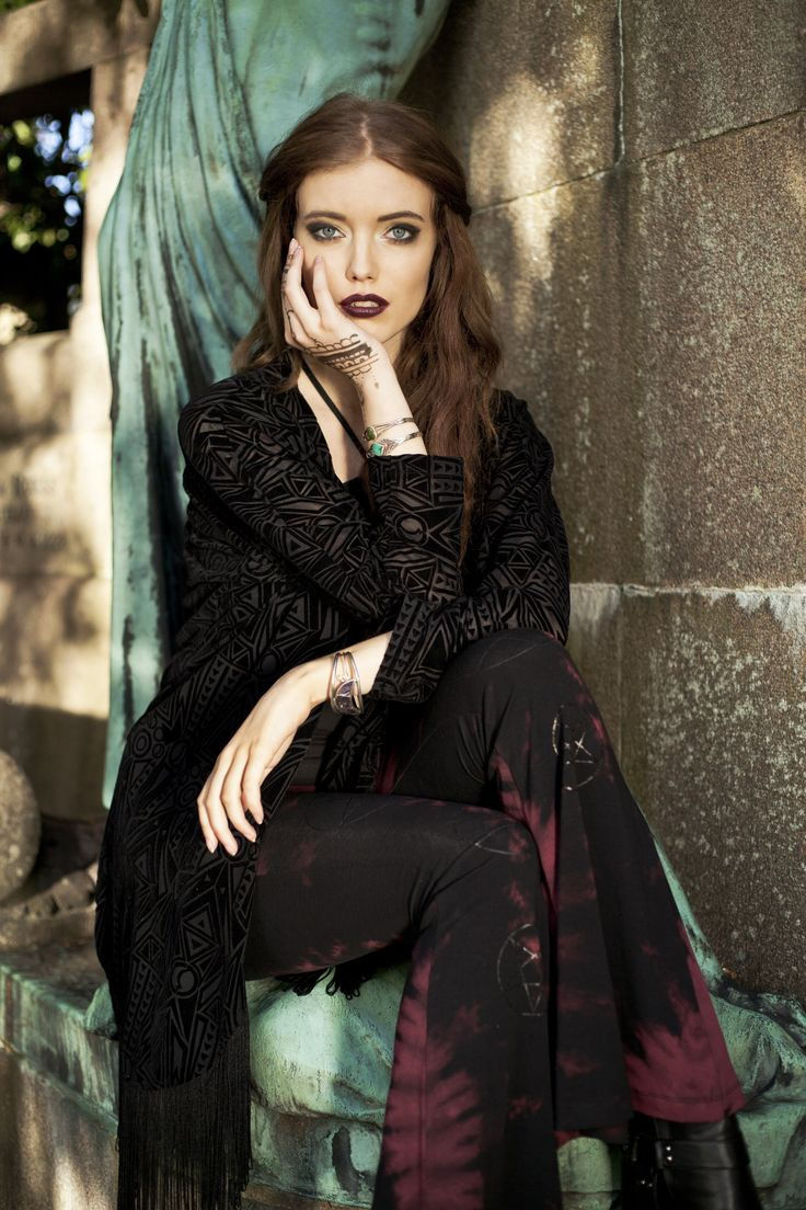 25 best ideas about black moon lilith on pinterest for Maitresse lilith