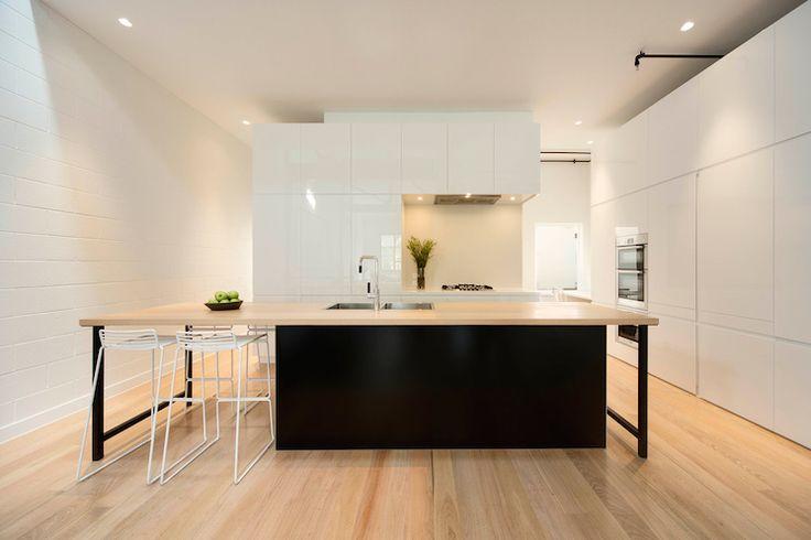 http://estmagazine.com.au/wp-content/uploads/2014/10/Est-Magazine-Regent-Street-Warehouse-kitchen-04.jpg